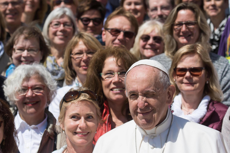 Папа римский Франциск во время еженедельной встречи с паствой в Ватикане, 8 мая 2019 г.