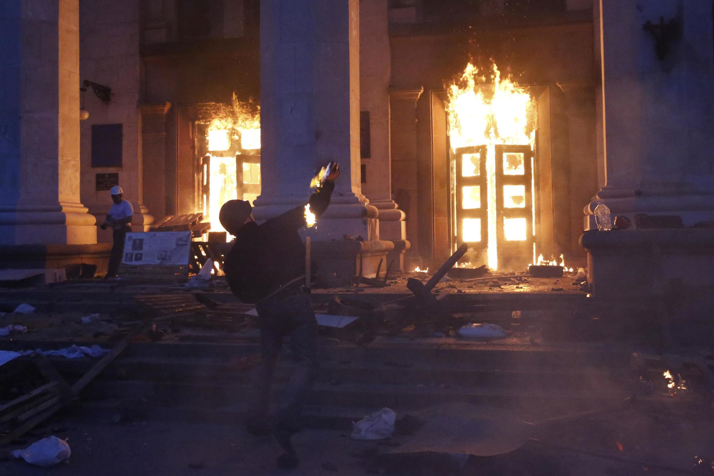 Đông Ukraina : Nga phủ nhận trách nhiệm về tình trạng hỗn loạn và cho biết không còn thuyết phục được phe nổi dậy - REUTERS /Yevgeny Volokin