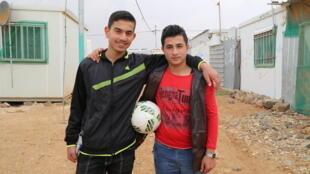 Obada y Yusef en el campo de refugiados de Zaatari en Jordania.