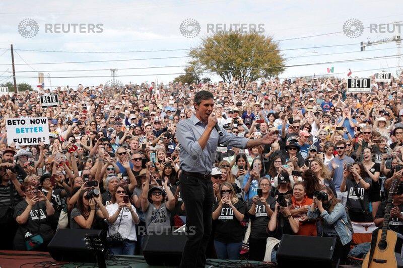 Chính trị gia Dân Chủ Beto O'Rourke vận động cử tri tại Austin, Texas, ngày 4/11/2018.