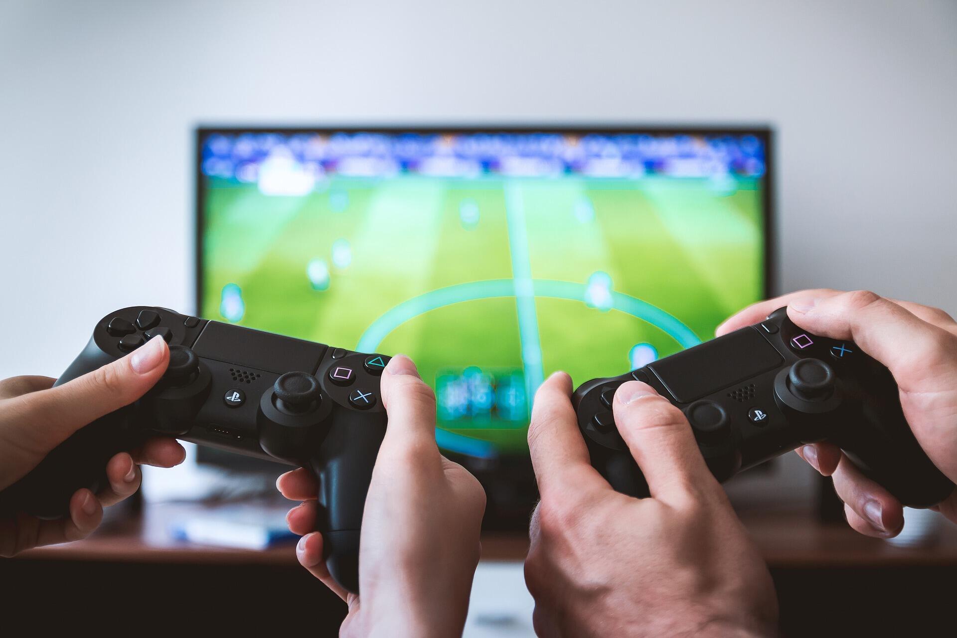 """""""O pior cenário é jogar na sala, com um console conectado em uma tela grande, conectado em 4G e jogando em streaming"""""""