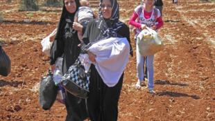 Des réfugiées syriennes dans la région d'Azaz, en Turquie.