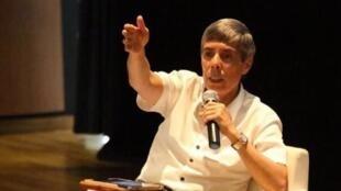 Alan Jara es director de la Unidad para las víctimas encargada de la espinosa cuestión de la reparación.