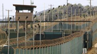 Exterior da prisão de Guantánamo.