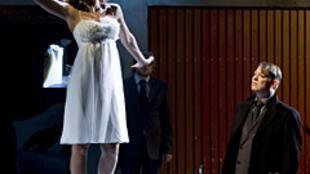 La 'Opera de Tres Centavos' en la Comedia Francesa.