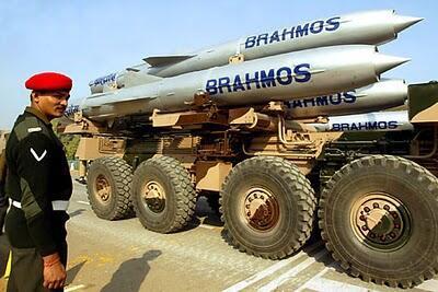 Tên lửa Brahmos do Ấn Độ và Nga hợp tác sản xuất là vũ khí Việt Nam đang nhắm tới.