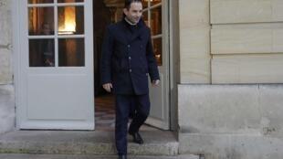 Benoît Hamon, large vainqueur de la primaire organisée par le PS, à sa sortie de Matignon, après son entretien avec Bernard Cazeneuve, le 30 janvier 2017.