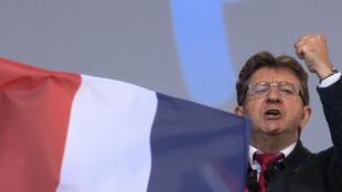 El líder de Francia Insumisa, Jean-Luc Mélenchon, era uno de los objetivos de los jóvenes detenidos. Foto de archivo.