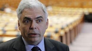 Адриан Северин в зале заседаний Европарламента 22/03/2011