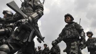 Lính biệt động Kopassus, đơn vị tinh nhuệ của quân đội Indonesia, trong một cuộc diễu binh ở Jakarta, ngày 15/03/2015.