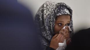 Zouhoura, jeune fille tchadienne, victime d'un viol, a témoigné et rencontré la presse, à Paris, le vendredi 18 mars 2016.
