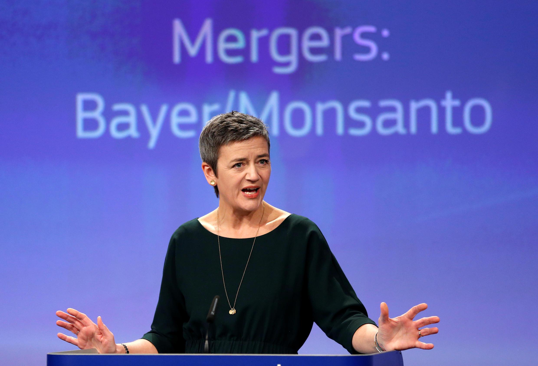 Margrethe Vestager, commissaire européenne à la concurrence, annonce l'autorisation du rachat de Monsanto par Bayer, à Bruxelles, le 21 mars 2018.