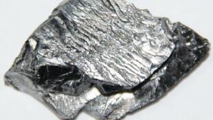 Un morceau de minerai de tantale, matière très prisée par le secteur de la haute technologie.