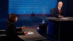 Kamala Harris, Seneta na mgombea mwenza wa Joe Biden, anapambana katika mdahalo na Makamu wa rais wa Marekani Mike Pence Oktoba 7, 2020 huko Salt Lake City, Utah.