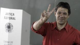 Fernando Haddad, candidato del PT, nuevo alcalde de Sao Paulo (foto tomada el 7 de octubre de 2012.