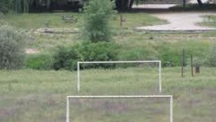 Balizas de um campo de futebol na Guiné Bissau
