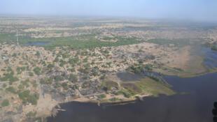 Vue aérienne de Ngouboua après le passage des éléments de Boko Haram, en février 2015.