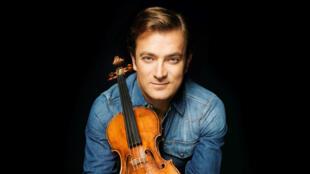 著名小提琴音乐家雷诺·卡普松(Renaud Capuçon)