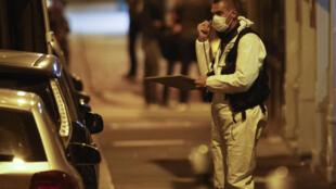 Tại hiện trường vụ khủng bố ở quảng trường Opéra, Paris, ngày 12/05/2018.