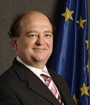 法參議院法中對話小組主席、參議員讓 貝松(Jean Besson)