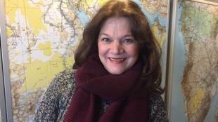 Sônia Palma: autora radicada na Inglaterra, participa em Paris do primeiro encontro europeu do Mulherio das Letras.