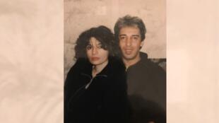 Yasmine et Aziz Chouaki jeunes mariés à Alger.