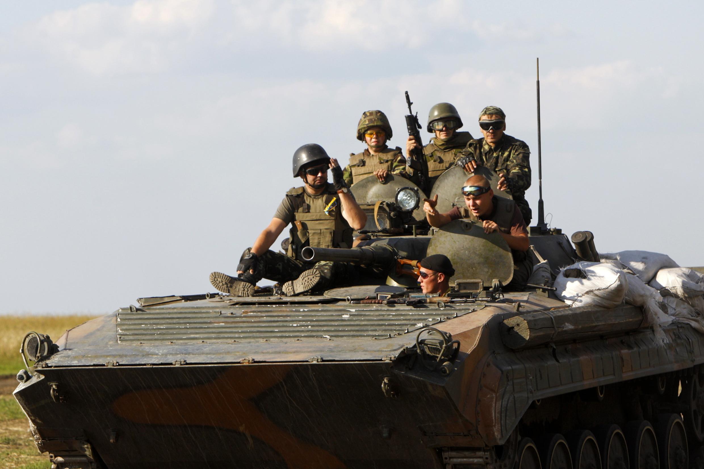 Патруль украинской армии в Луганской области, август 2014 г.