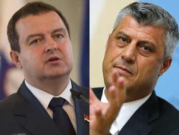 Thủ tướng Serbia Ivica Dacic và đồng nhiệm Kosovo Hashim Thaci (AFP)