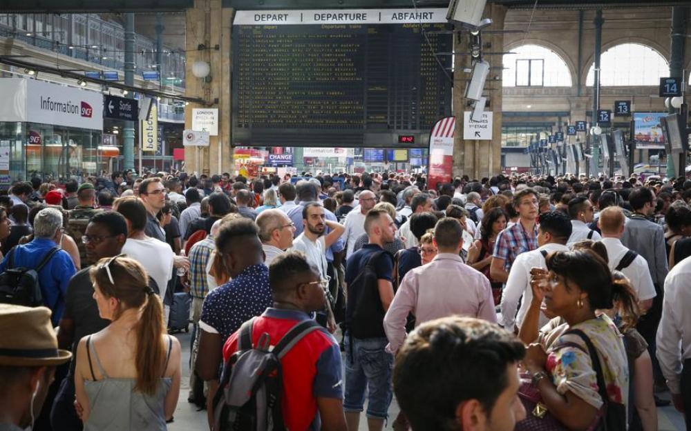 Confusão nas vias da Gare du Nord