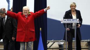 En 2015, l'intervention inopinée de Jean-marie Le Pen à la tribune alors que sa fille devait prendre la parole n'avait pas été du goût de la présidente du FN.