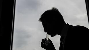 Pour éviter la propagation du Covid-19, l'université de Liège mise sur des tests salivaires et sur le gargarisme pour plus de rapidité.