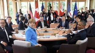 Les dirigeants du G7 pour leur première réunion de travail au château d'Elmau, en Bavière, le 7 juin  2015.
