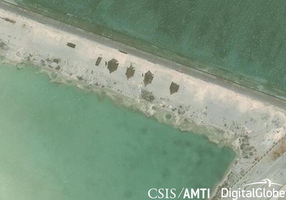 Ảnh vệ tinh ngày 12/05/2018 phát hiện điều được cơ quan Sáng Kiến Minh Bạch Hàng Hải Châu Á AMTI (CSIS) cho là triển khai các loại vũ khí mới tại căn cứ quân sự của Trung Quốc trên đảo Phú Lâm (Hoàng Sa) ở Biển Đông.