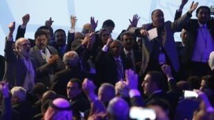 La réunion convoquée par la Russie entre représentants de la société civile et politique syrienne a surtout exposé leurs divisions.