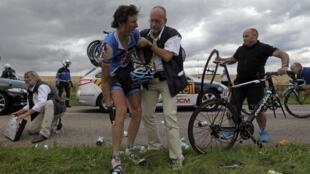 Johan Van Summeren après la chute spectaculaire, le 6 juillet 2012.