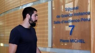 Nikola Karabatic no tribunal de Montpellier.