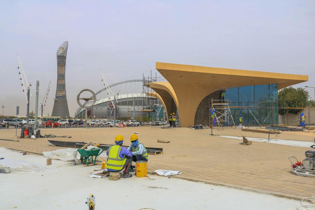 Estação de metro em construção para o Mundial de futebol de 2022, a 11 de Abril de 2019, em Doha, no Qatar.