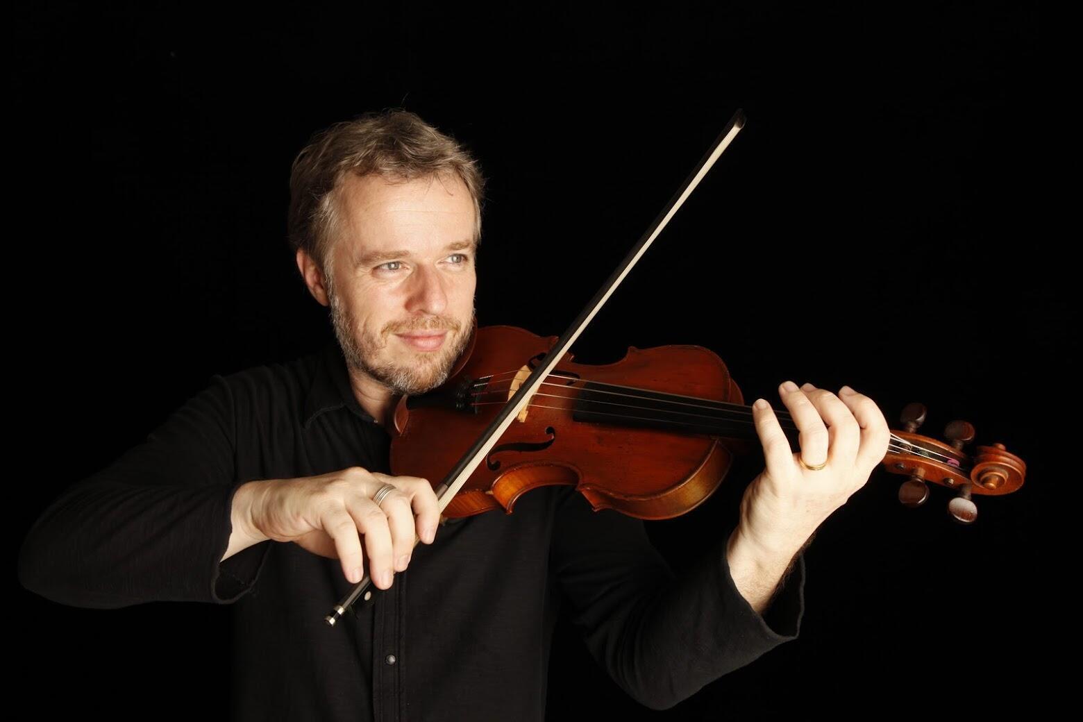 O violinista francês Nicolas Krassik está radicado há 16 anos no Brasil.