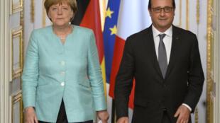 Angela Merkel et François Hollande en el Palacio del Elíseo para discutir sobre la crisis griega.  6 de julio de 2015.