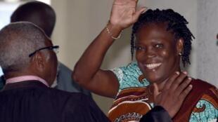 Simone Gbagbo à son arrivée à la cour d'assises d'Abidjan, lundi 23 février 2015.