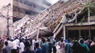 L'ambassade des États-Unis à Nairobi (Kenya), après l'attentat perpétré par al-Qaïda le 7 août 1998.