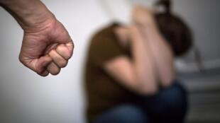 Selon les estimations entre 6000 et 7000 femmes meurent chaque année en Russie sous les coups de leur conjoint.