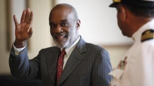 34 prétendants ont déposé leur candidature pour succéder à l'actuel président haïtien René Préval.