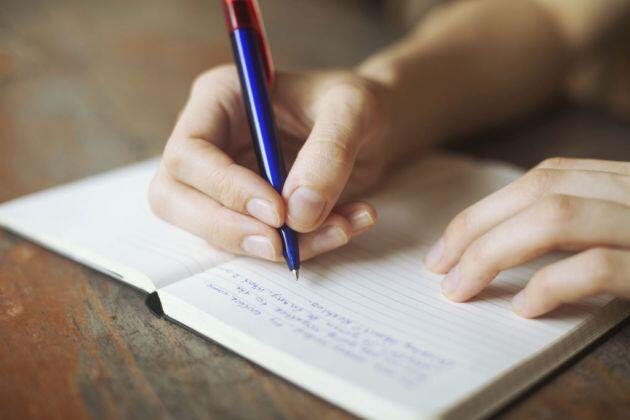 Escribir a mano ayuda a la concentración y facilita la memorización de informaciones.