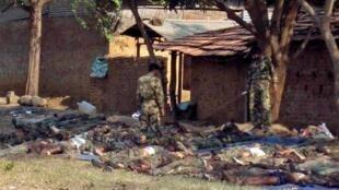在恰蒂斯加尔邦被毛派游击队打死的警察(06/04/2010)