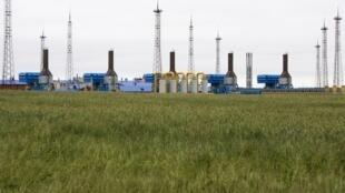 Estação para compressão de gás na periferia de Minsk, capital de Belarus.