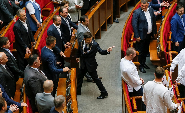 Остановить конфликт вДонбассе, пословам Зеленского, его главное задание напосту президента