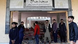 صبح امروز چهارشنبه ۲۰ قوس/۱۱ دسامبر یک حمله انتحاری در نزدیکی پایگاه نظامی آمریکا در منطقه بگرام افغانستان رخ داد.