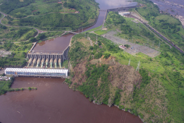 Vue du barrage Inga en 2013.