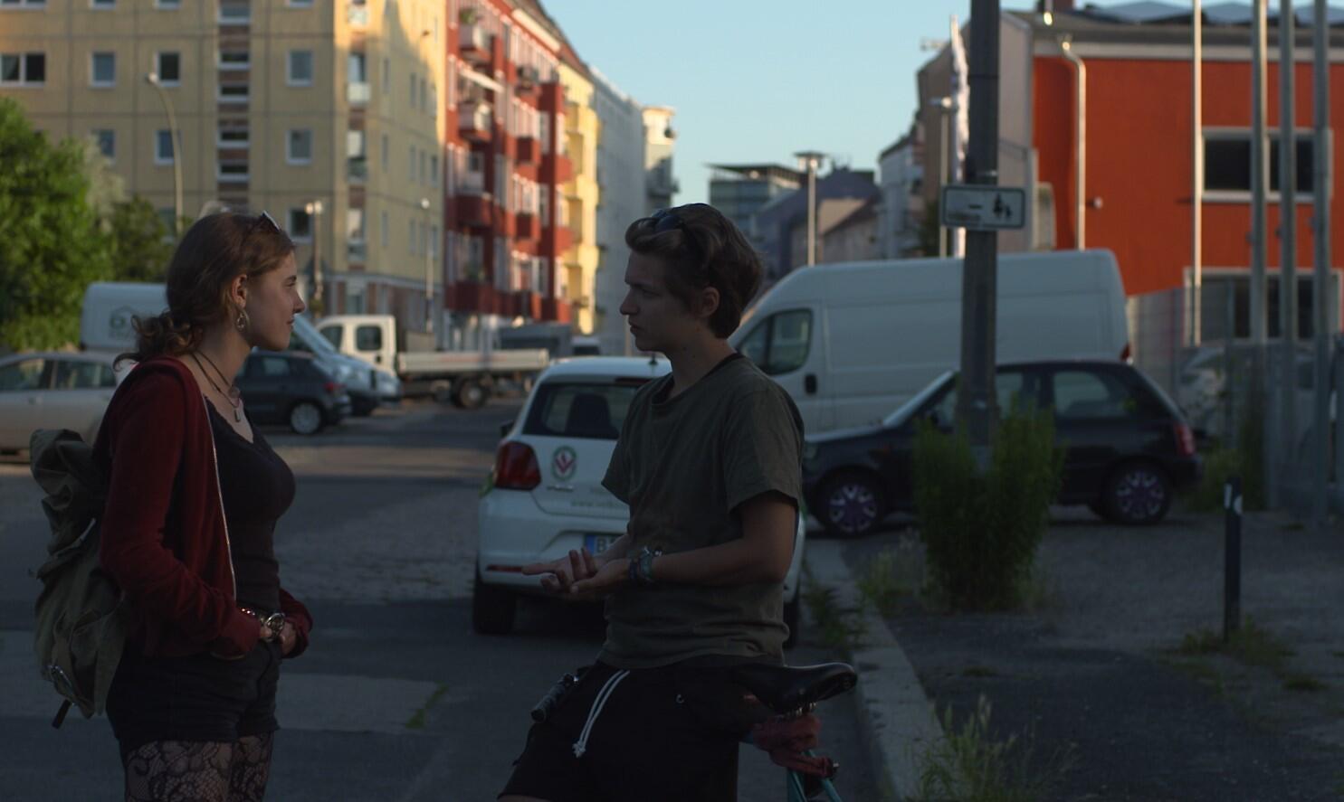 Scène issue du documentaire « Freizeit », de Caroline Pitzen, présentée au Cinéma du réel 2021.  © OKNO / Markus Koob